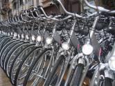 Vanaf station Beverwijk is het 30 minuten fietsen naar Strand NoordpierNB Het is mogelijk om hier tot 200 fietsen te reserveren.O...