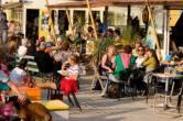 Hot Zone verzorgd op het strand van Wijk aan Zee; bedrijfsuitjes, evenementen, activiteiten, feesten,  vrijgezellenfeesten bij strandpaviljoen Timboektoe.
